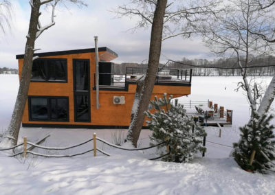 Dom na wodzie na Mazurach